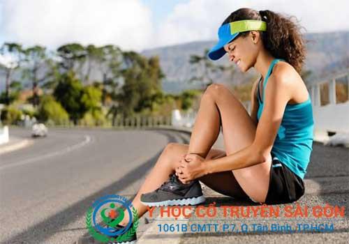 Điều Trị và chữa suy giãn tĩnh mạch chân tại nhà có hiệu quả không?