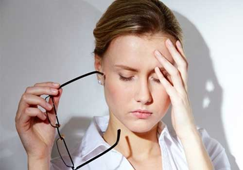 Đau đầu chóng mặt là những triệu chứng của một số căn bệnh nguy hiểm