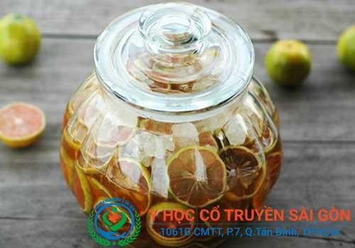 Bài thuốc nam chữa viêm amidan mãn tính bằng mật ong và chanh tươi
