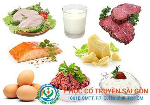 Người bệnh bướu cổ nên ăn cá, thịt, phomat, sữa chua...