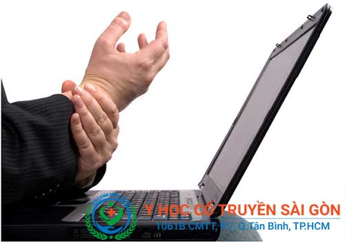 Bệnh chân tay run rẩy ở người già và trẻ nhỏ có nguy hiểm không