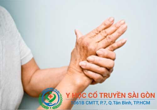 Bệnh chân tay run ray có thể do mắc Parkinson