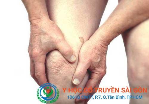 Bệnh khô khớp thường gây đau nhức ở các khớp cho người bệnh