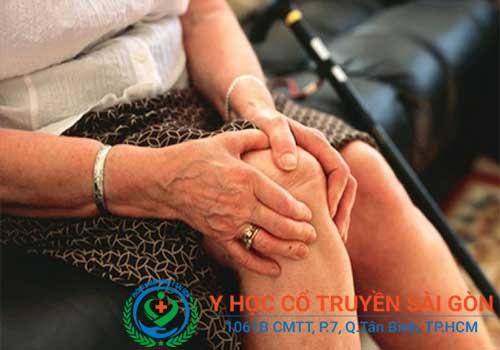 Bệnh tràn dịch khớp gối không thể tự khỏi mà cần phải điều trị đúng phương pháp