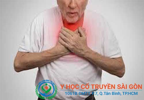 Triệu chứng của viêm phế quản còn có tức ngực, khó thở