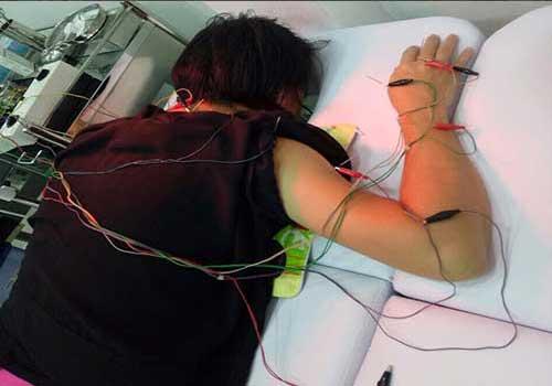 Châm cứu chữa xẹp đĩa đệm đốt sống lưng và cổ tại Phòng khám Y học Cổ truyền Sài Gòn