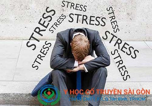 Căng thẳng là một trong những nguyên nhân gây xuất tinh muộn