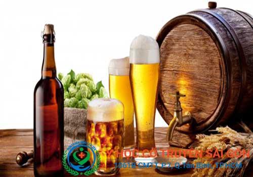 Người bị viêm đại tràng nên tránh xa rượu bia, chất kích thích
