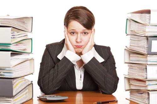 Bệnh chân tay run rẩy ở người trẻ tuổi thường xuất phát do căng thẳng, stress
