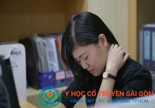 Cách chữa bệnh đau vai gáy cổ bằng châm cứu, bấm huyệt, điện chẩn