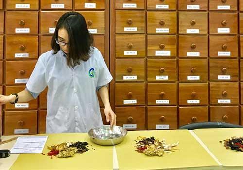 Cách chữa và điều trị ho khản tiếng có đờm bằng thuốc Đông Y tại Phòng Khám Y học Cổ truyền Sài Gòn