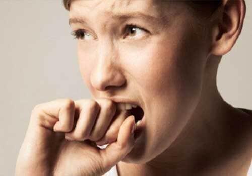 Cảm giác lo lắng bồn chồn khó thở khó chịu trong người là bệnh gì?