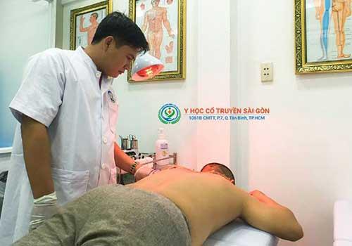 Chữa đau vai gáy cổ bằng Đông y có hiệu quả không?