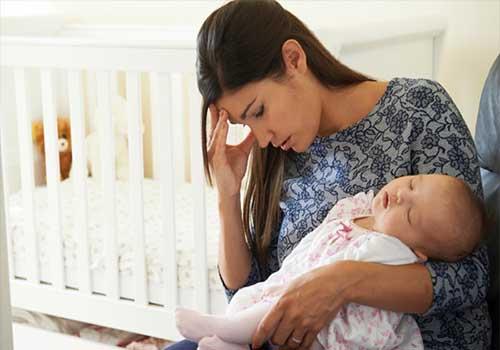 Chứng mất ngủ sau sinh phải làm sao?