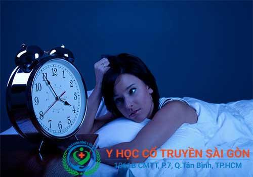Rối loạn thần kinh thực vật khiến người bệnh mất ngủ, khó ngủ, mệt mỏi...