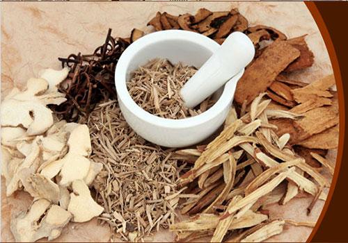 Khám và chữa viêm họng hạt theo Đông y tốt và an toàn cho sức khỏe