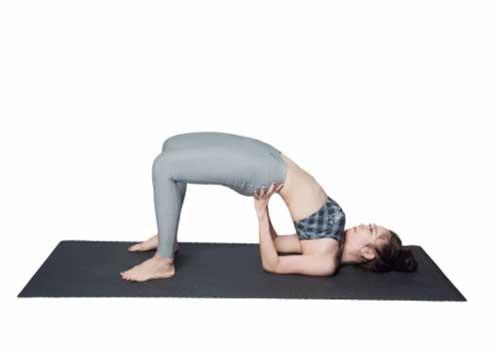 Điều trị và chữa thoát vị đĩa đệm bằng Yoga tư thế cây cầu