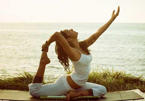Điều trị và chữa thoát vị đĩa đệm bằng Yoga
