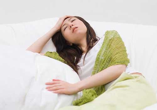 Phụ nữ sau sinh bị hoa mắt chóng mặt có nguy hiểm không 1