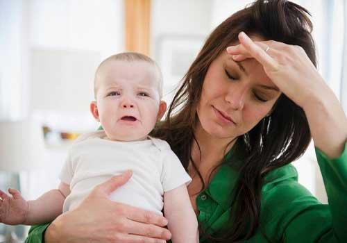 Phụ nữ sau sinh bị hoa mắt chóng mặt có nguy hiểm không