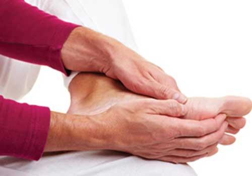 Bệnh tê tay chân do nhiều nguyên nhân gây ra