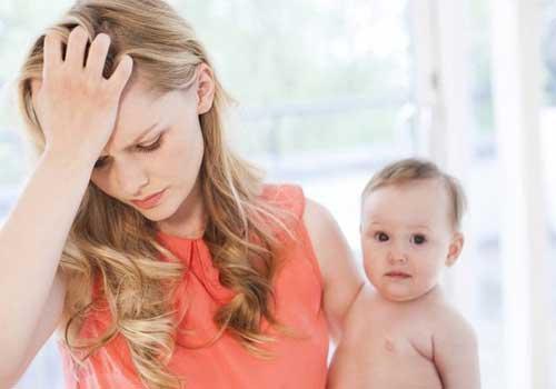 Khô âm đạo sau khi sinh phải làm sao