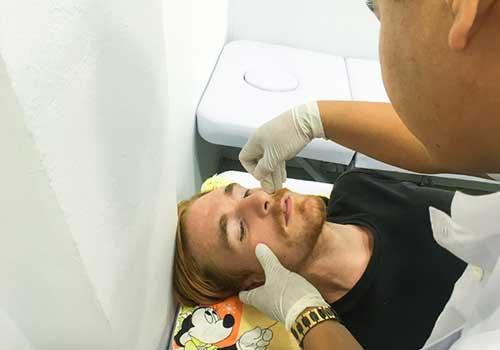 Phương pháp châm cứu bấm huyệt tại Phòng khám Y học Cổ truyền Sài Gòn