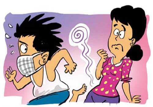 Ra khí hư màu vàng xanh có mùi tanh có gây nguy hiểm không?