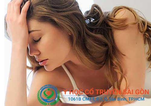 Rong kinh ảnh hưởng nghiêm trọng đến sức khỏe và khả năng sinh sản của chị em
