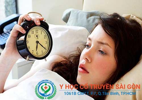 Bệnh suy nhược cơ thể gây mệt mỏi, mất ngủ, khó ngủ