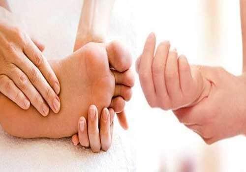 Kết quả hình ảnh cho tê chân tay