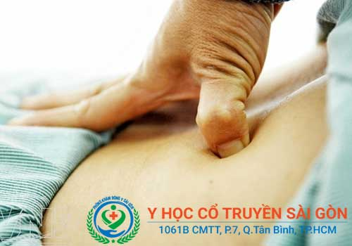 Kinh nghiệm chữa đau lưng bằng bấm huyệt tại Phòng khám Y học Cổ truyền Sài Gòn