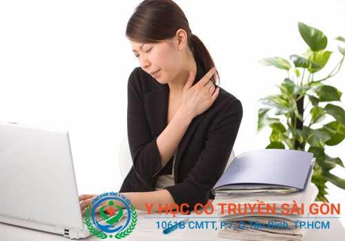 Bệnh đau vai gáy ảnh hưởng nghiêm trọng đến cuộc sống và công việc của người bệnh
