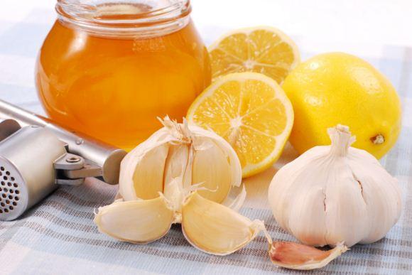Tỏi và mật ong hỗ trợ điều trị viêm xoang rất hữu hiệu