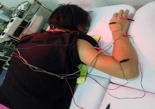 Điều trị các bệnh liên quan đến triệu chứng đau đầu, chóng măt, hoa mắt, buồn nôn bằng vật lý trị liệu tại Phòng khám Y học Cổ truyền Sài Gòn