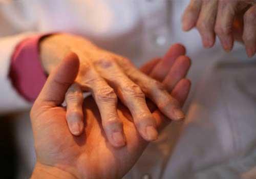 Triệu chứng và cách điều trị bệnh phong tê thấp