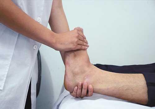 Địa chỉ chữa thoái hóa khớp cổ chân bằng đông y ở đâu tốt TPHCM