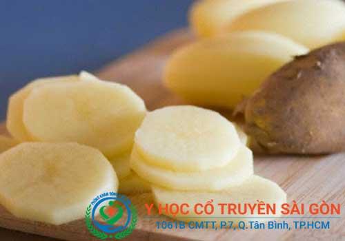 Tự chữa sùi mào gà bằng khoai tây