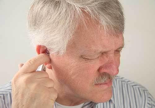 Bệnh viêm tai ngoài viêm tai giữa là gì cách điều trị